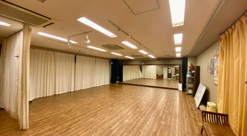 【吉祥寺駅徒歩5分】<B1>スポットライト完備の多目的スペース。40名までのダンスやヨガ、瞑想、ワークショップ、パーティ等に