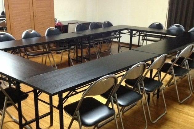 C【なんば駅徒歩5分】24時間営業の一軒家 15帖フローリングのスペース 会議・セミナー・ワークショップにおすすめ!ルームC の写真
