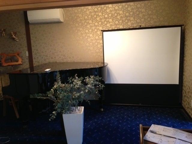 【Kori/神楽坂駅1分】ピアノ演奏も出来る!イベントやパーティーにも最適な洋和室/床座りか会議机にての会議(20名様) のサムネイル