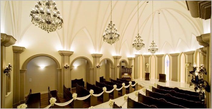 歌声が響き渡る大聖堂 純白のフェザーシャワーが降り注ぎ まるで天使が舞い降りたような空間 セント・フルール・ド・リス(ベルヴィ ディアナ・マリエール) の写真0
