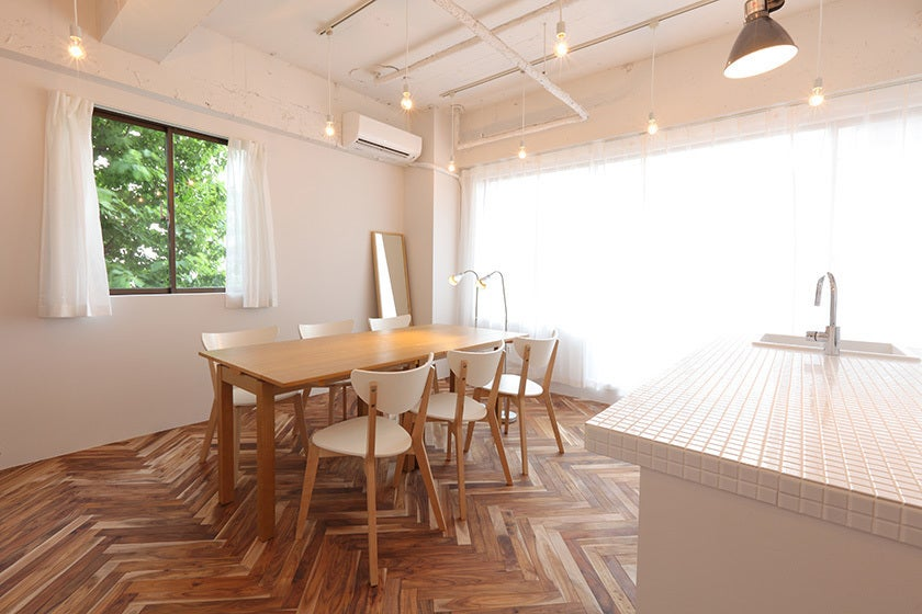 【千駄ヶ谷】自然光が入るオープンキッチン付き完全個室スペース。ママ会利用も急増中です! の写真