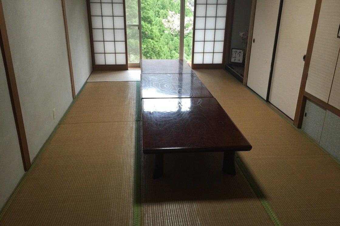 【鳥取】落ち着いた時間が流れる宿坊で日常を離れて修行をしてみませんか?/部屋1 の写真
