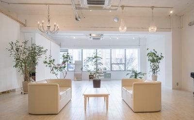 【白基調のホワイトスペース】撮影に使えるスタジオ・スペースまとめ