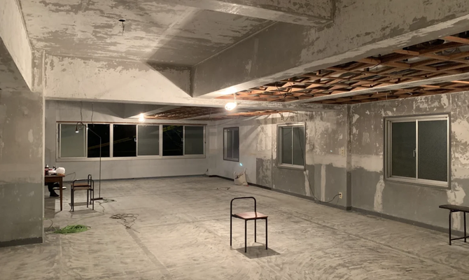 【広島  鷹野橋駅】打ちっぱなしのコンクリートが映えるスタジオ