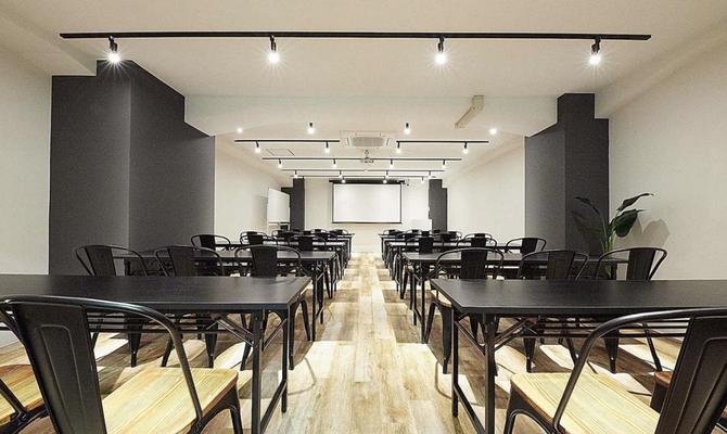 スペースマーケット会議室 渋谷青山通り店 2F