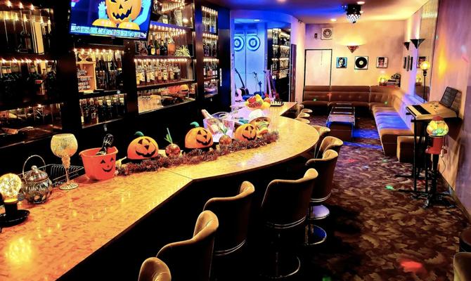 【大阪 石津川駅】ノスタルジック空間!カウンターが魅力の貸し切りバースペース