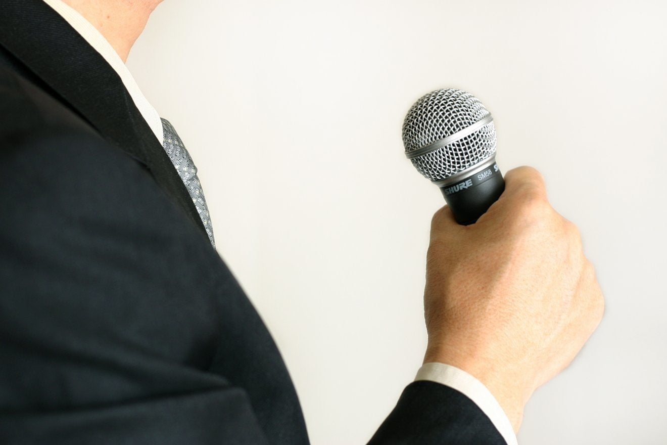 送別会の挨拶の順番・タイミングは?送られる側の挨拶のポイントと例文